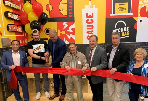 Sticky's Finger Joint Opens First New Jersey Location At The Outlets At Bergen Town Center